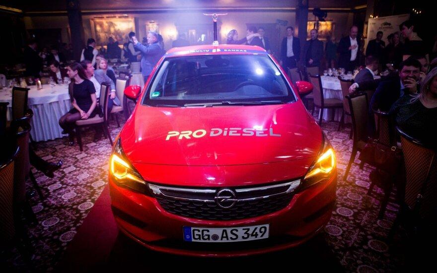 """""""Opel Astra"""" - Lietuvos metų automobilis 2016"""