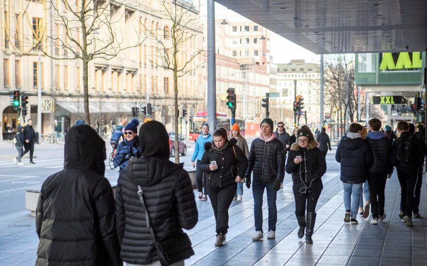 Švedijoje mirė jau daugiau kaip 1 000 COVID-19 užsikrėtusių žmonių