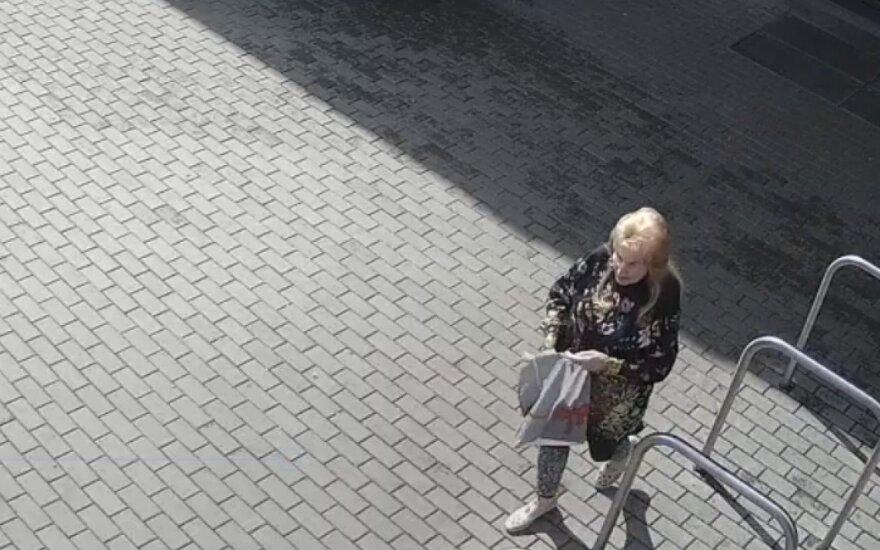 Policija ieško moters ir aiškinasi, kas nepanoro sugrąžinti pinigų savininkui