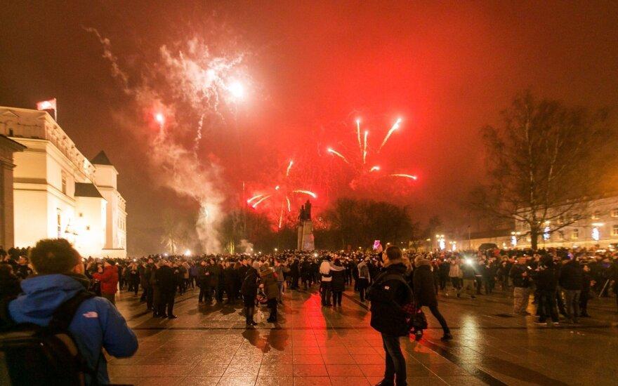 Naujųjų metų naktį Katedros aikštėje rado telefoną: prašo savininko susisiekti