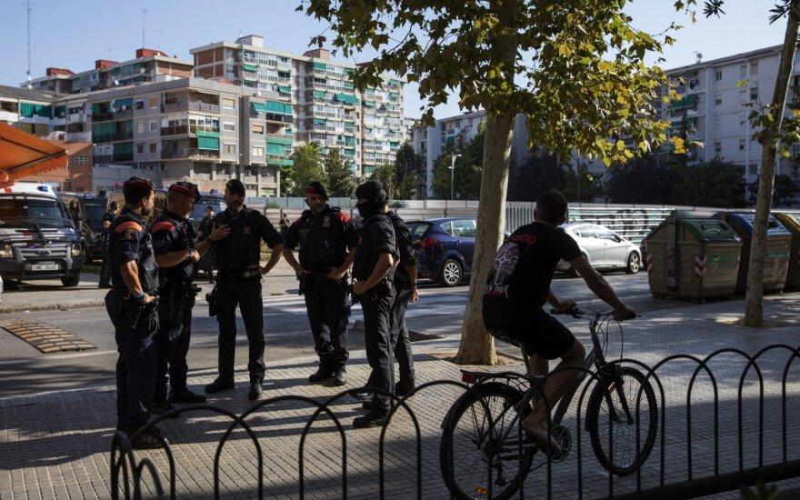 Ispanijoje peiliu ginkluotas vyras įsiveržė į policijos nuovadą ir puolė pareigūnus