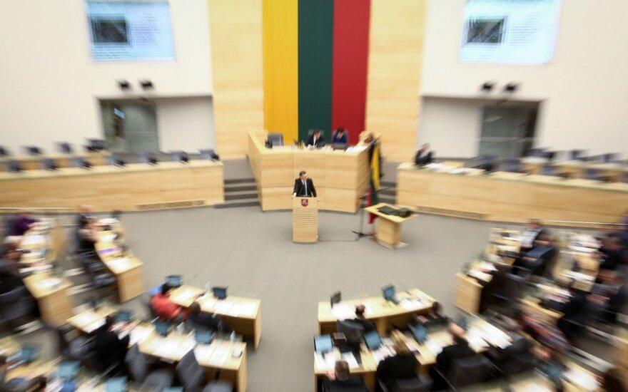 Parlamentarai baigė pratęstą rudens sesiją