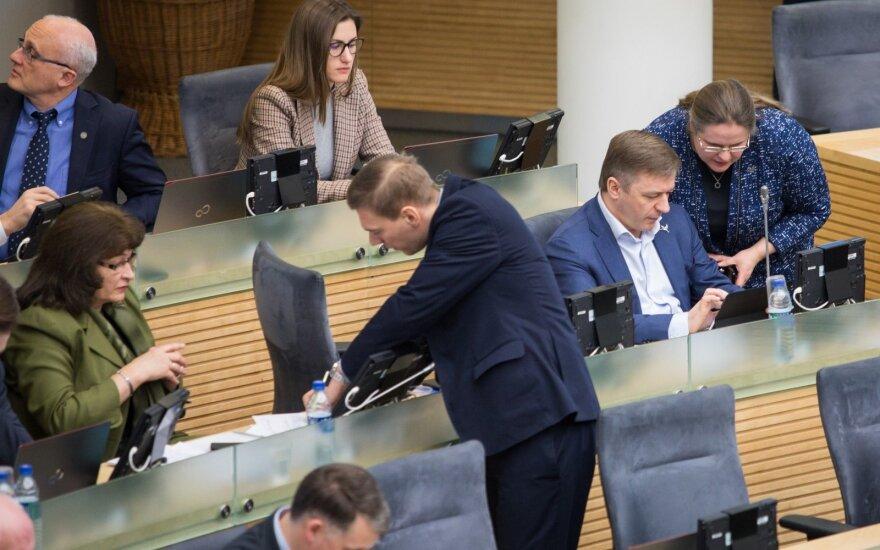 Dėl algų mokytojams padidinimo Seimas spręs ypatingos skubos tvarka