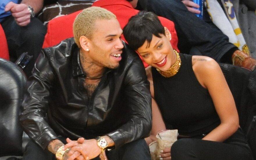Rihanna ir Chrisas Brownas Naujuosius metus sutiko lovoje