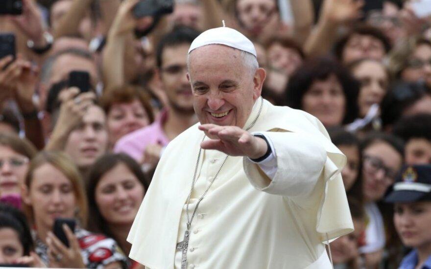 """Nesitikėjo, kad popiežius Pranciškus taps """"tikra roko žvaigžde"""""""