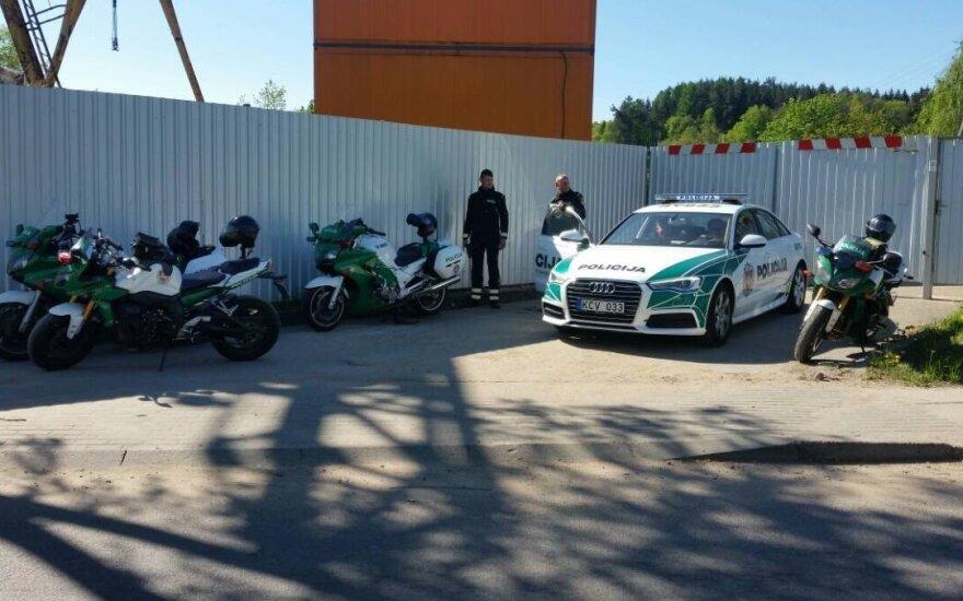 Kelių policijos pareigūnas: laukėme motociklininkų, o atskrido BMW
