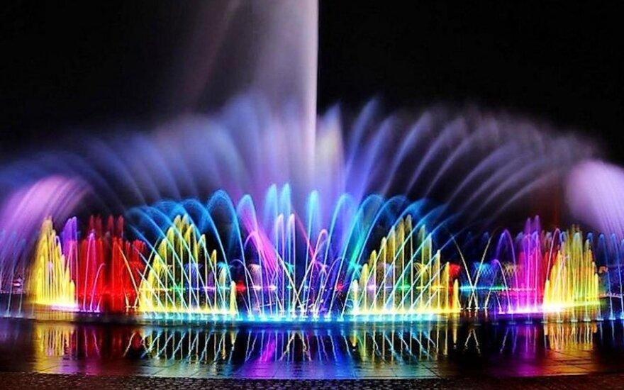 Visagine – šviečiantis ir grojantis fontanas