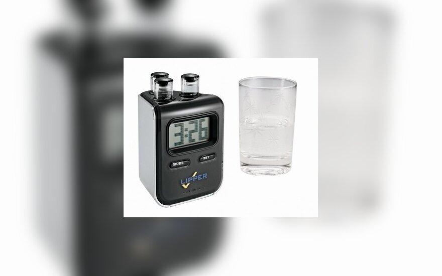 Vandeniu varomas laikrodis