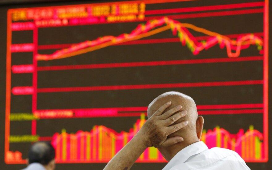Dėl politinių sunkumų Italijoje ir Ispanijoje investuotojai bėga iš Europos akcijų rinkų