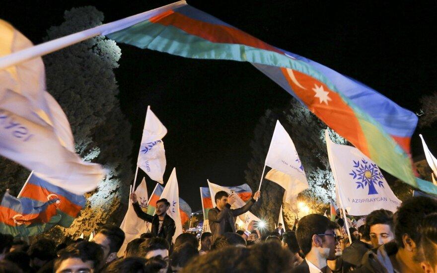 """ESBO: per Azerbaidžano prezidento rinkimus būta """"rimtų pažeidimų"""""""