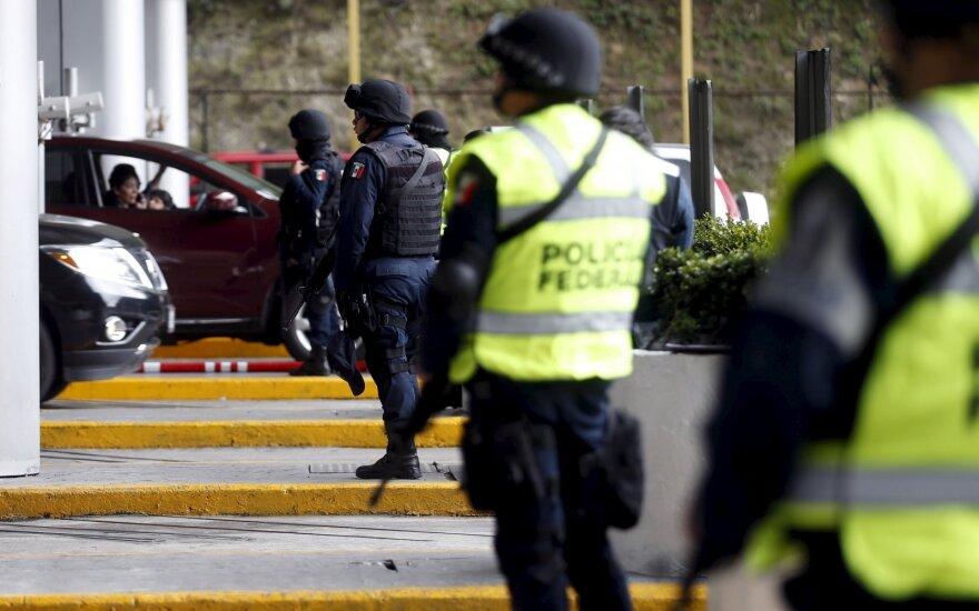 Meksikoje minia gyvus sudegino du vaikų grobimu kaltinamus vyrus