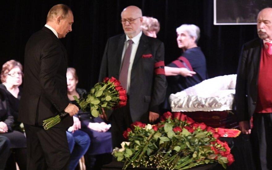 /vladimiras Putinas Liudmilos Aleksejevos laidotuvėse