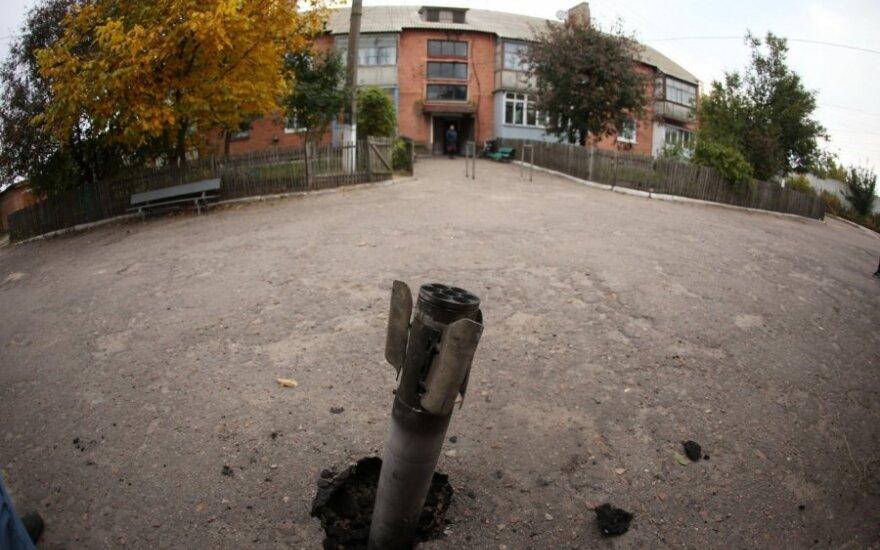 Sprogus amunicijos sandėliui Černigove po apylinkes pasklido sprogusių ginklų skeveldros