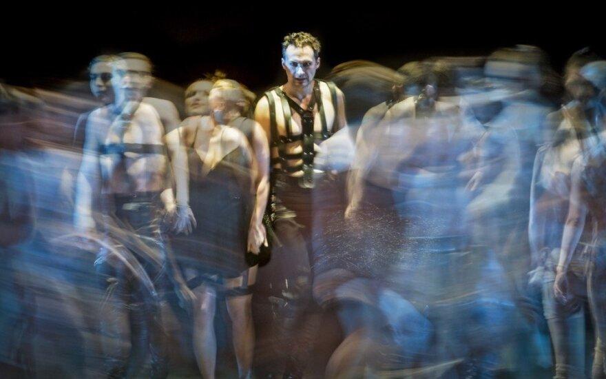 """Charles Gounod. """"Faustas"""". 2017. Operos scena. Edgaras MONTVIDAS – Faustas Dmitrijaus Matvejevo nuotr."""