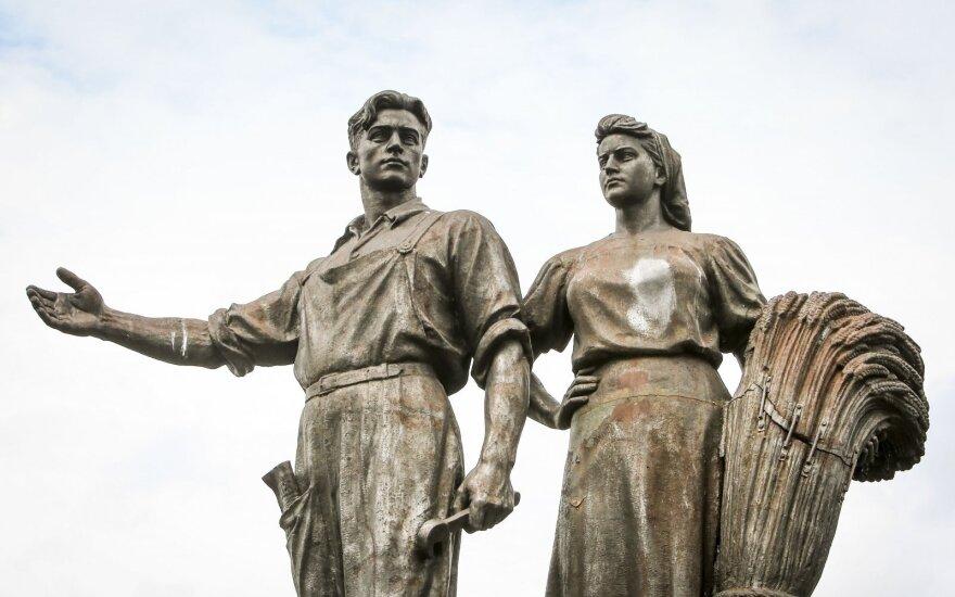 Dėl Žaliojo tilto skulptūrų – naujos versijos: gal tai – tik priedanga