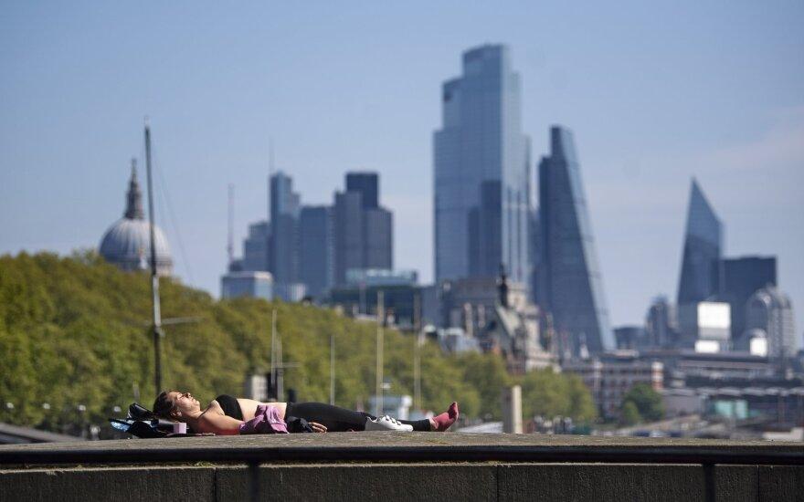 JK ministras: imsimės veiksmų, jei koronavirusas išplis Londone