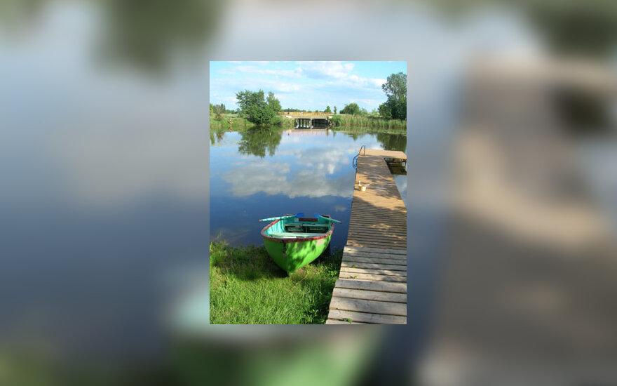 Ežeras, vanduo, lieptas, valtis, vasara, poilsis, gamta