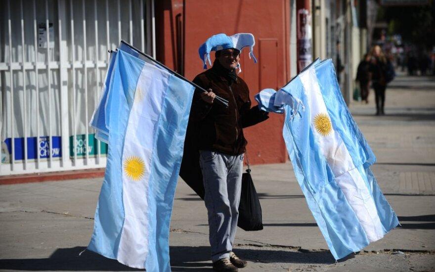 Žmogus su Argentinos vėliavomis
