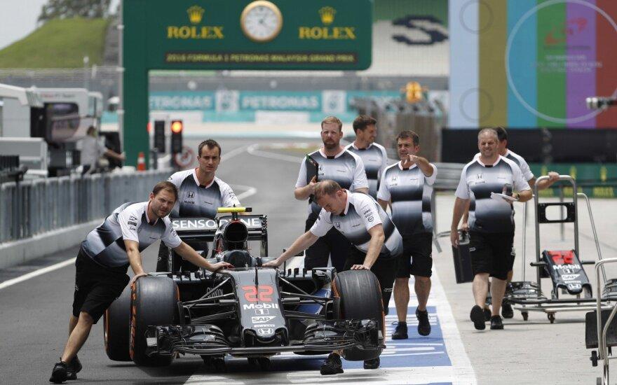 "F-1 ""McLaren"" komanda Sepango trasoje Malaizijoje"