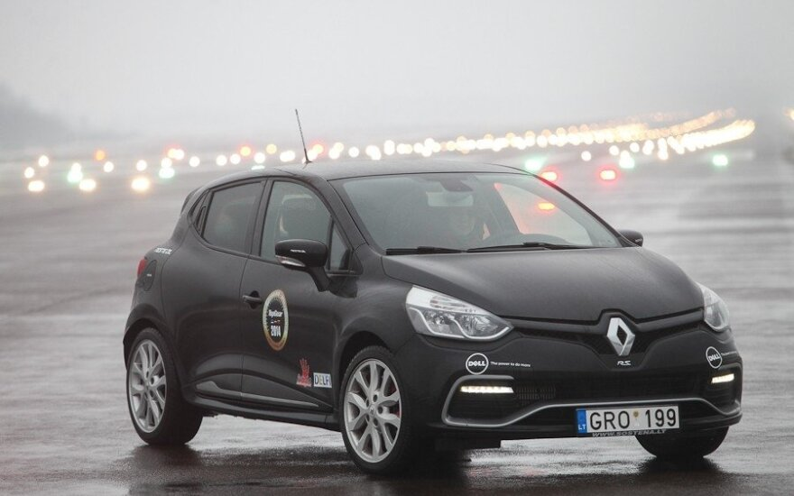 """Renault Clio RS"""