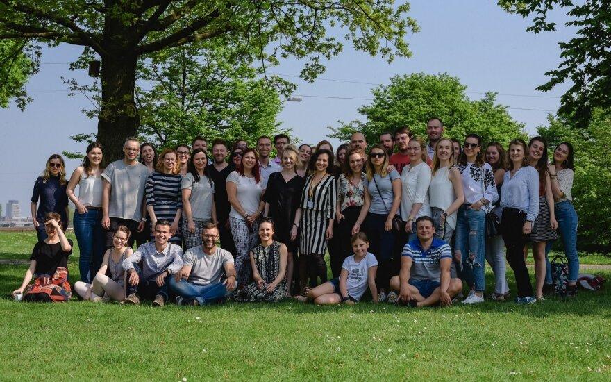 """Karštas savaitgalis Diuseldorfe – Lietuvos jaunimas Vokietijoje rinkosi į """"Idėjų dirbtuves"""""""