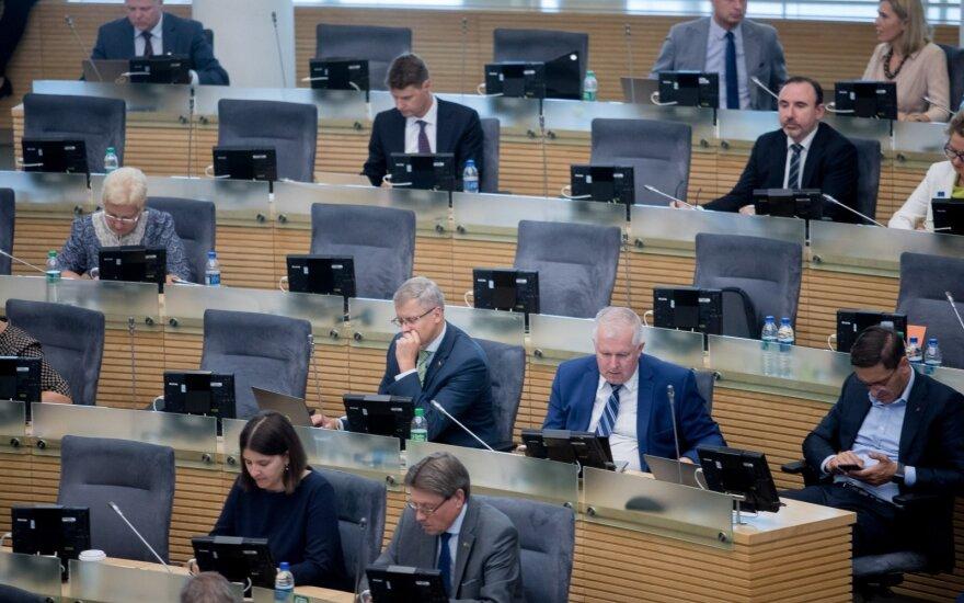 Seimas uždraudė mažareikšmes dovanas rinkėjams per prezidento, savivaldos rinkimus