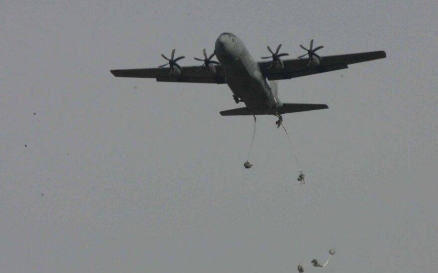Rukloje – JAV ir Lietuvos karių oro desanto operacija