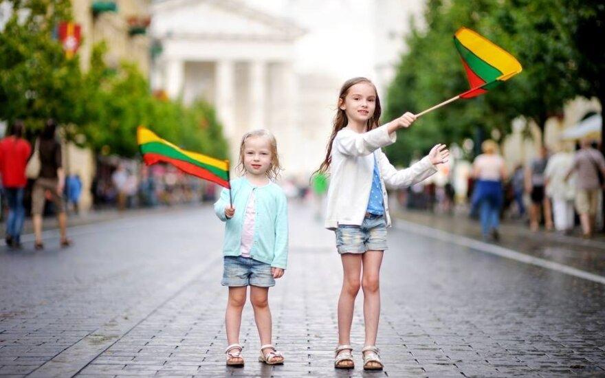 Laimės reitinge Lietuva kilo per 8 pozicijas, laimingiausi – suomiai