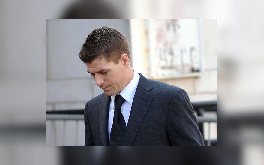 S.Gerrardui panaikinti kaltinimai dėl užpuolimo