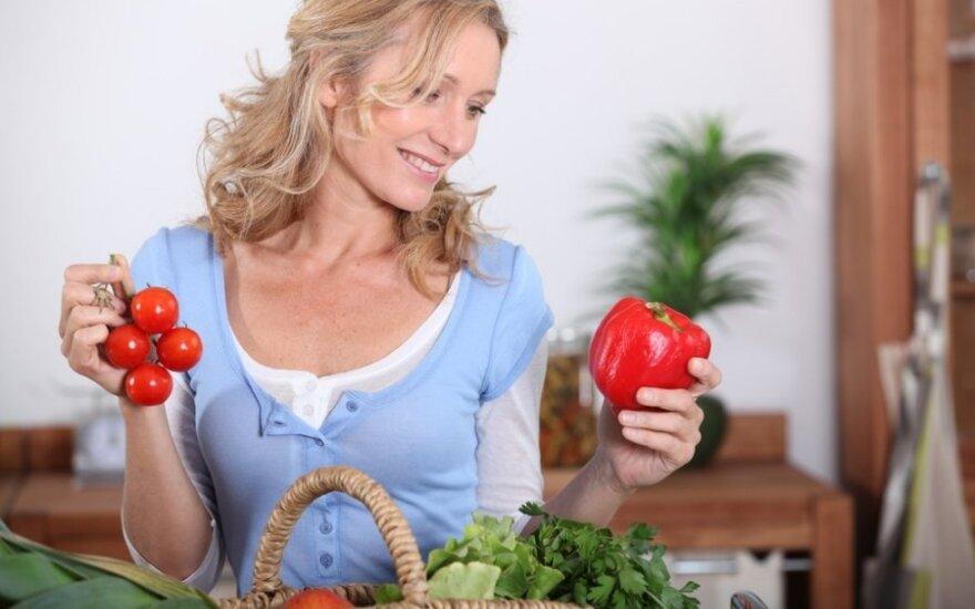 Idealus meniu vyresnėms nei 40 m. moterims: ko tikrai negalima valgyti