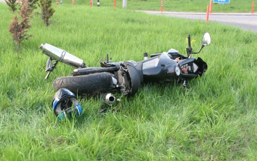 Jaunas vyras motociklu nulėkė į mirtį
