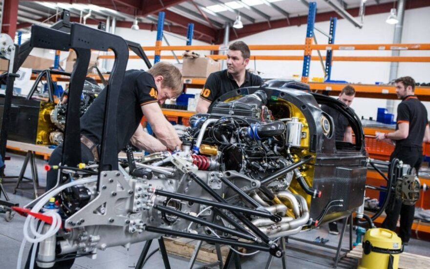 Speed Factory racing ruošiasi lenktynėms