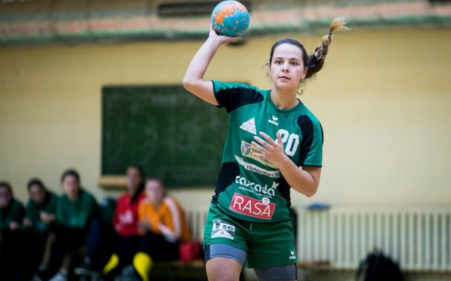 Baltijos moterų rankinio lygoje - Gardino ir Garliavos komandų pergalės