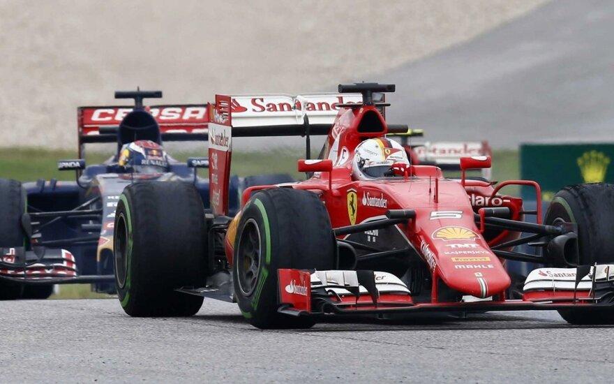 Maxas Verstappenas ir Sebastianas Vettelis