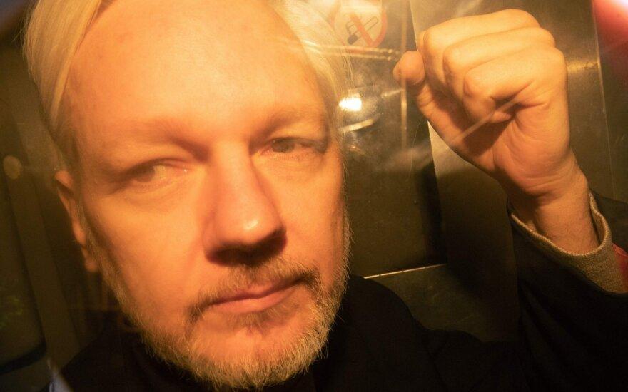 Julianas Assange'as teisme