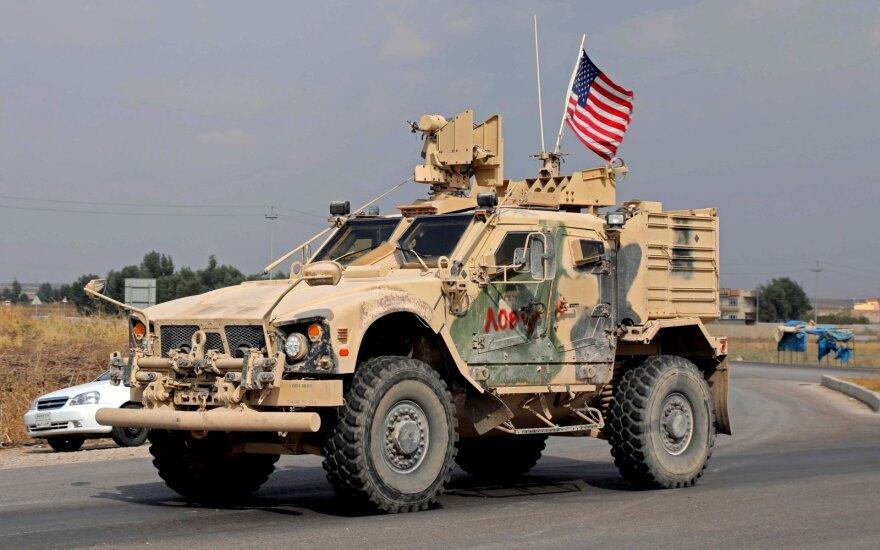 JAV senatoriai siūlo išvesti iš Saudo Arabijos karius ir priešlėktuvinės gynybos priemones