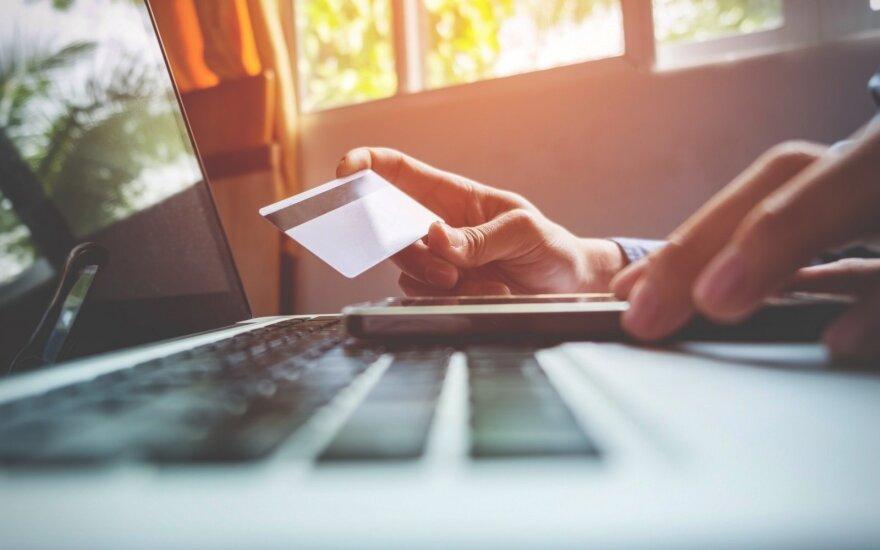 Pirkdami internetu gyventojai išleidžia 70 eurų, rytoj − pasiruošę išleisti perpus daugiau