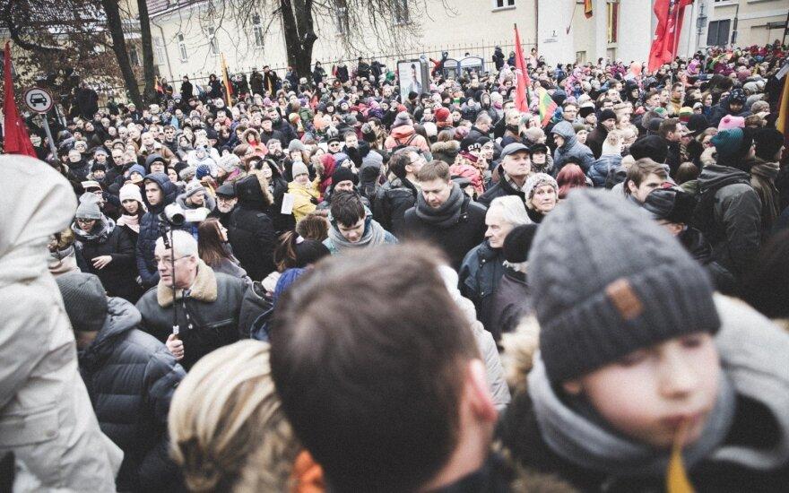 Šimtoji Vasario 16-oji Lietuvoje ir užsienyje: pagaliau išmokome švęsti