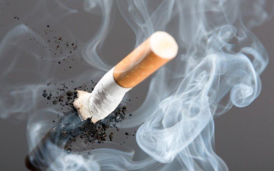 Palangoje rūkydamas vyriškis padegė savo chalatą