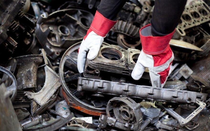 Vienos iš dažniausių – automobilių atliekos