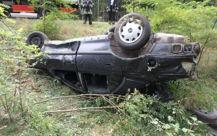 Policija ieško žmogaus gyvybę nusinešusios avarijos liudininkų