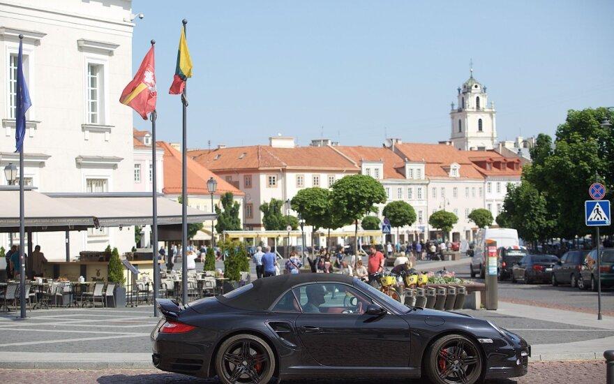 Kitas skurdo lazdos galas: turtuolių skaičius Lietuvoje auga itin sparčiai