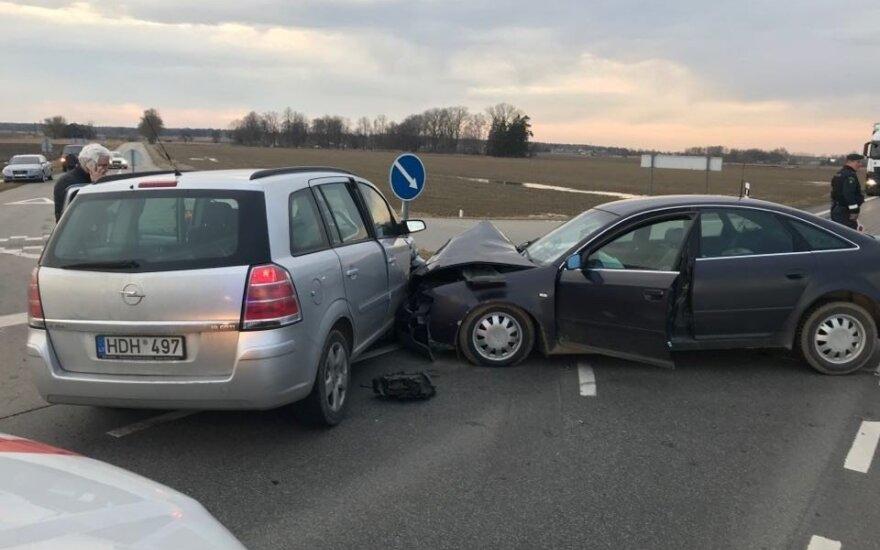 Į avariją pateko buvusio politiko Vito Matuzo žmona.