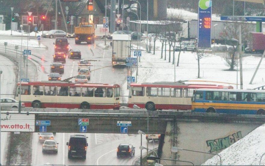 Troleibusai iš miesto transporto sistemos planų grūdami lauk dėl lėtumo