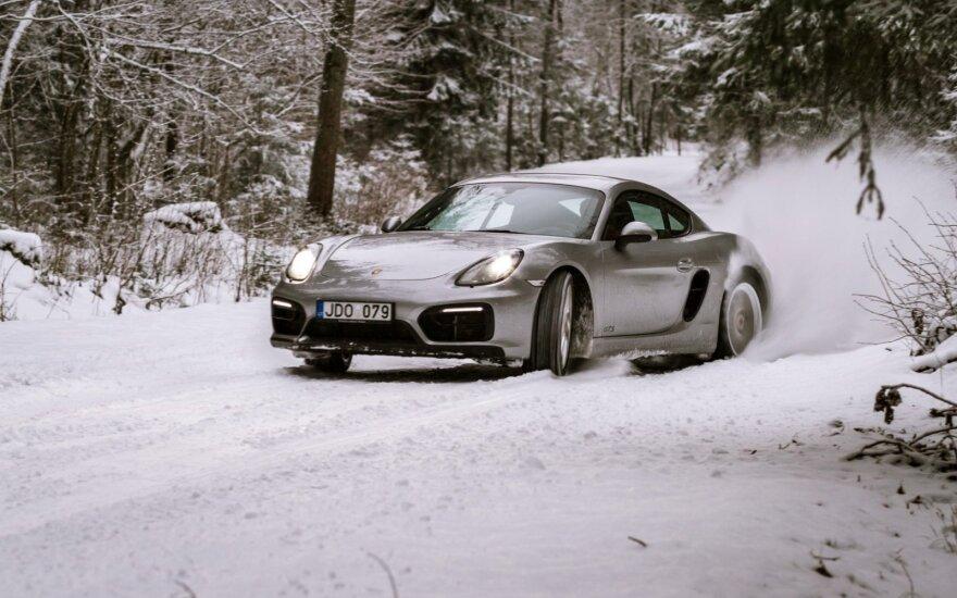 """""""Porsche"""" vairavimo akademijos žiemos mokymai"""