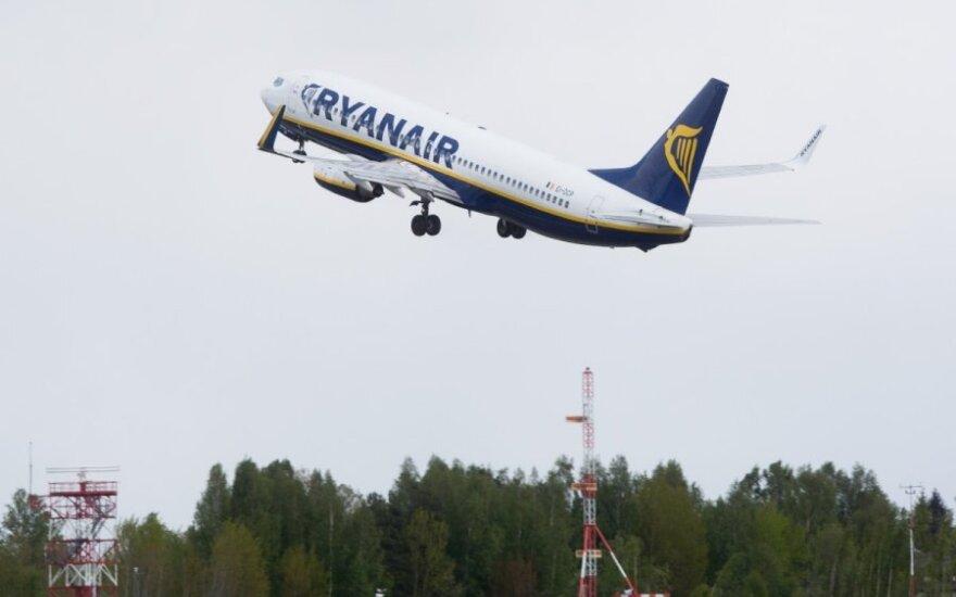 """""""Ryanair"""" gausina skrydžių iš Lietuvos"""