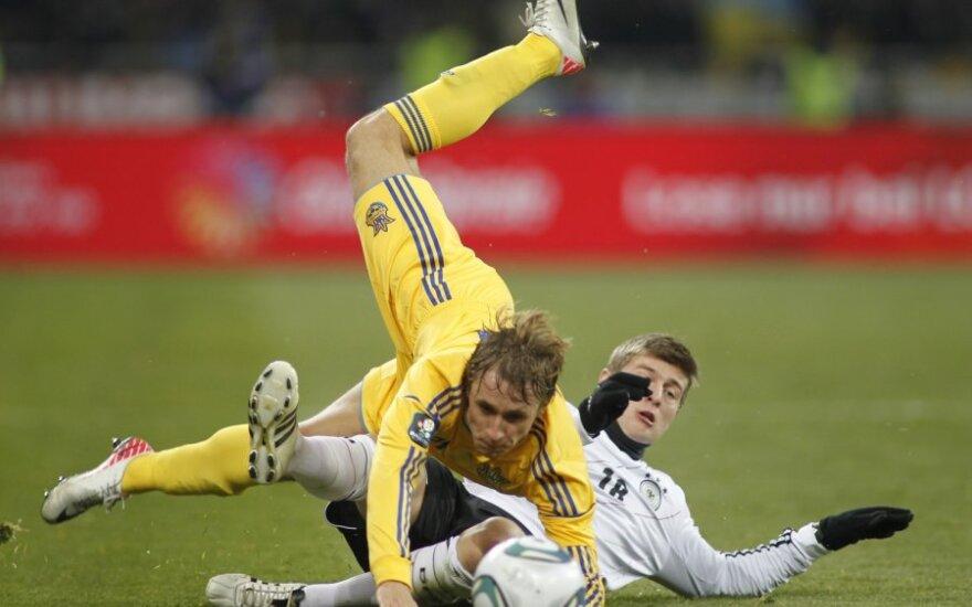 Bogdanas Butko (Ukraina) kovoja su Toni Kroosu (Vokietija)