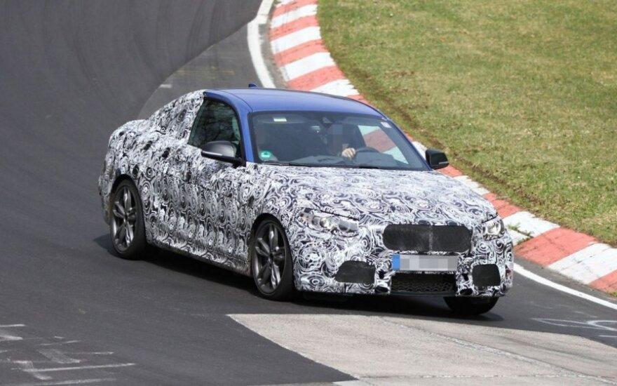 Niurburgringe bandomas 2 serijos BMW