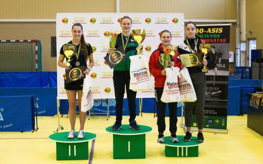 Vitalija Venckutė, Kornelija Riliškytė, Emilija Riliškytė, Augustė Melaikaitė (Stalo teniso federacijos nuotr.)