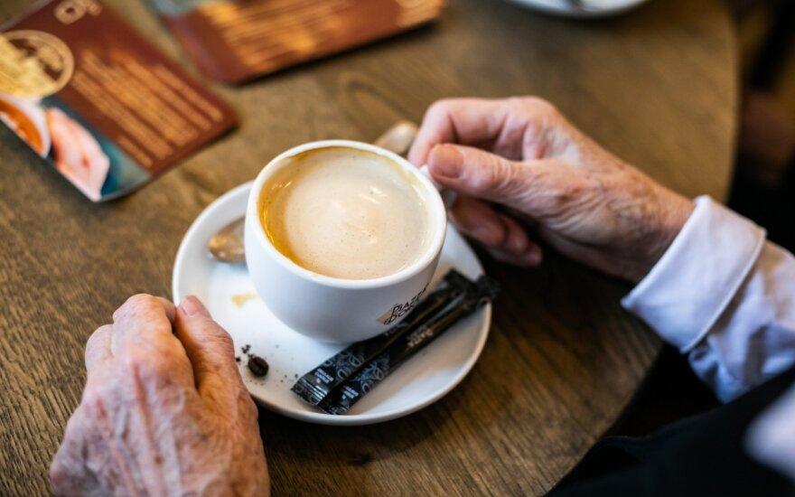 90 sostinės kavinių sekmadieniais vaišina senjorus kava ir arbata